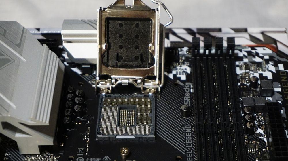 LGA115xのCPUクーラーはLGA1200と互換性がある?